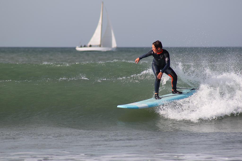 cours de surf avec paul sur l'ile de ré